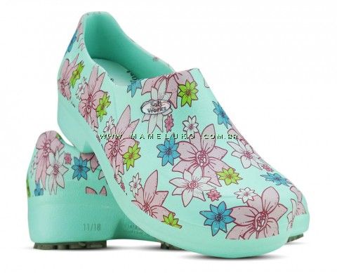 Sapato Profissional Soft Works II Estampado Flor Rosa - Verde Medicina