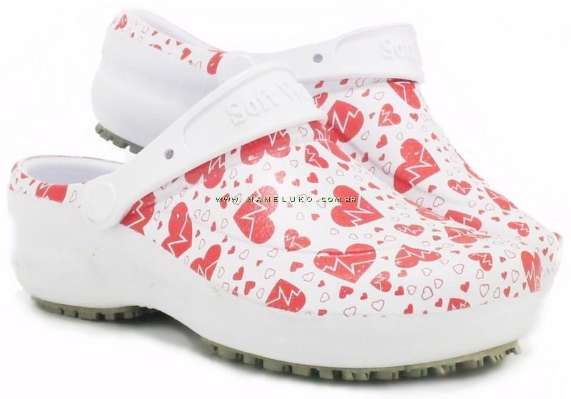 b84311445 ... Sapato Profissional Soft Works Estampado - Eletro Coração ...