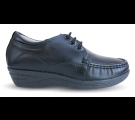 Sapato em Couro Salto Anabela com Cadarço - Preto